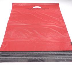 Red mailing bag - reverse